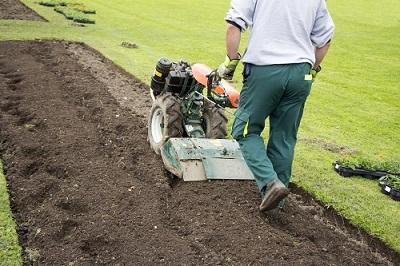 Alquiler herramientas jardinería crear huerto jardín