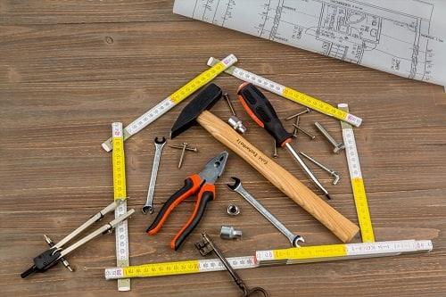 herramientas de bricolaje que no pueden faltarte