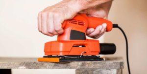 Lija la superficie de madera y dale un acabado perfecto