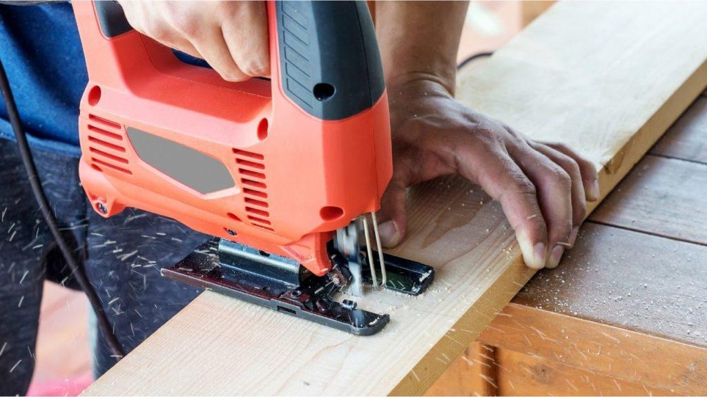 Alquiler de maquinaria de construcción para hacer reformas en casa